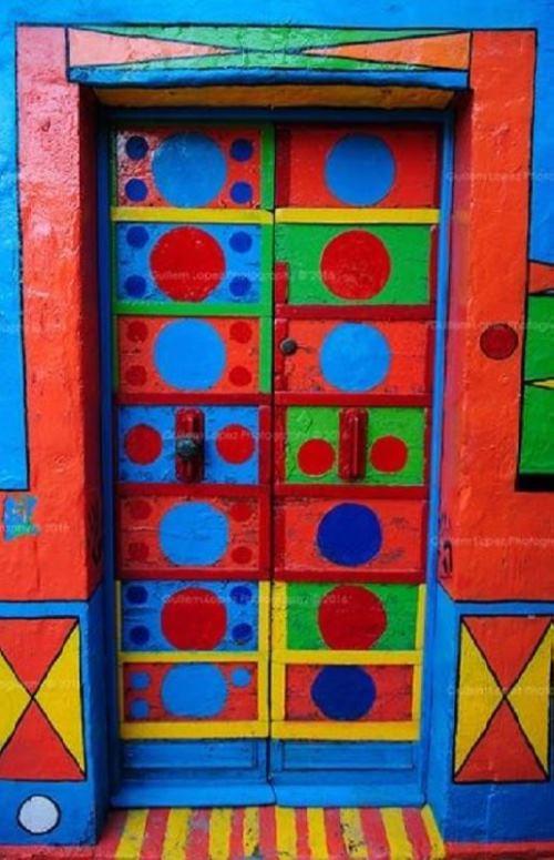 Entrance Door Color According to Feng Shui