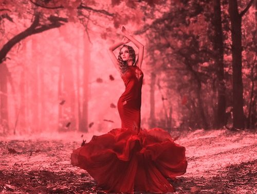 Red color in Celtic folklore. Photo Darya Chacheva