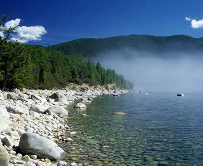 Astonishing lake