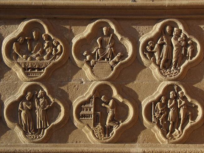 In the Amiens Cathedral, medallions with scenes of the legend